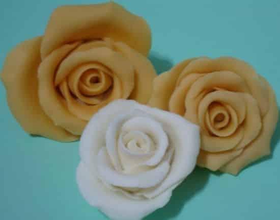 Read more about the article Como Fazer Rosas de Biscuit