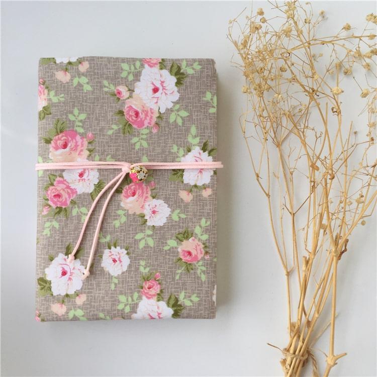 Capa floral caderno de artes