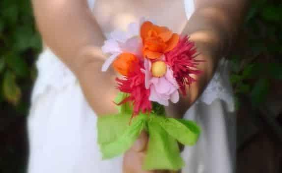 Read more about the article Como Fazer Flor de Papel Crepom