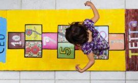 Como Fazer um Tapete de Amarelinha para Brincar