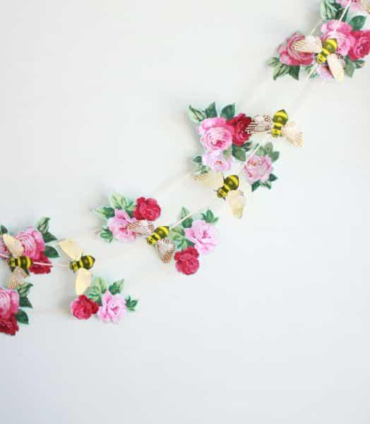 Read more about the article Como Fazer Decoração para Parede com Flores de Papel
