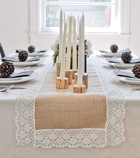 Este caminho de mesa rústico pode frequentar vários estilos de decoração (Foto: celebrations.com)