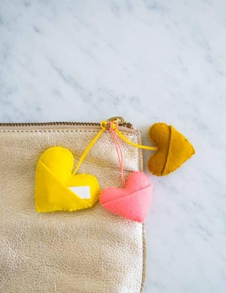 Este chaveiro de coração em feltro também pode ser lembrancinha de sua festa (Foto: purlbee.com)