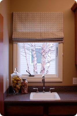 Esta persiana romana pode ser usada em qualquer cômodo de sua casa (Foto: 33shadesofgreen.com)