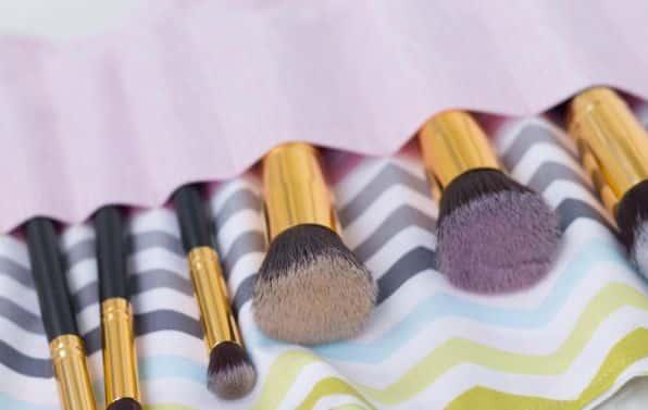 Read more about the article Como Fazer Porta Pincéis de Maquiagem Artesanal