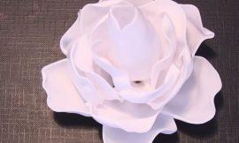 Como Fazer Rosas com Colheres de Plástico
