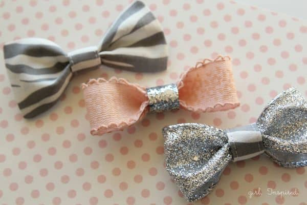 Estes fofos laços para cabelo podem ser feitos com os materiais que você tem em sua casa (Foto: thegirlinspired.com)