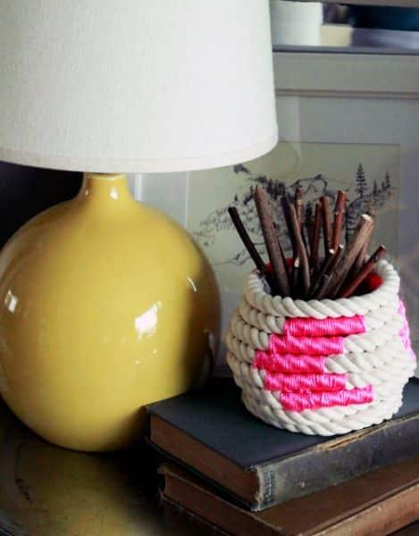 Porta-treco de corda é lindo e útil (Foto: wonderfuldiy.com)