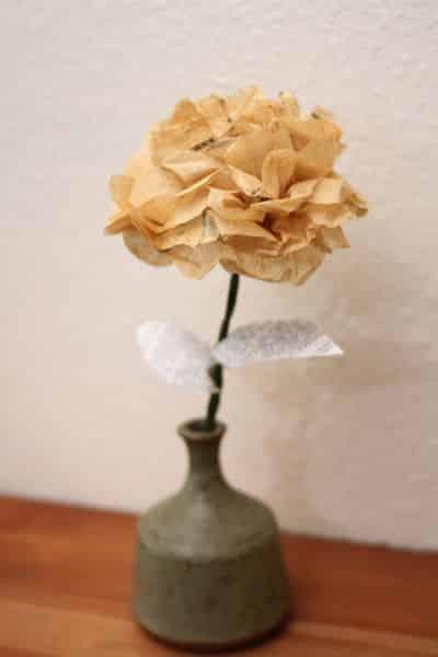 Flores de papel de seda são lindas e qualquer pessoa consegue fazer facilmente (Foto: trashycrafter.com)