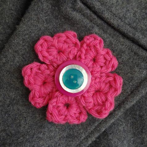Read more about the article Como Fazer Broche de Flor de Crochê