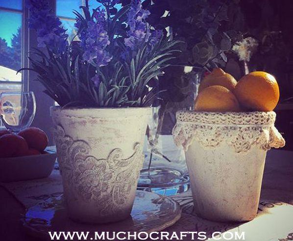 Vaso decorado com crochê é lindo e sofisticado (Foto: hometalk.com)