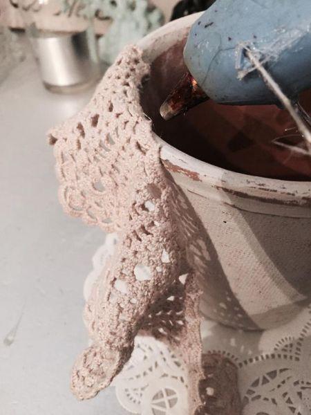 Como Fazer um Vaso Decorado com Crochê    5
