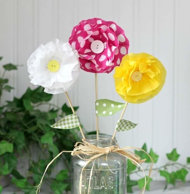 You are currently viewing Flores de Papel Crepom Simples e fácil de fazer