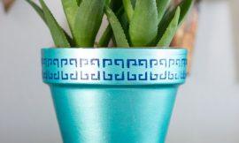 Como Decorar Vaso de Barro com Stencil