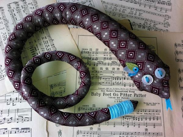 cobra de gravata