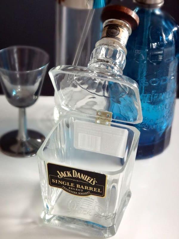 garrafa de vidro cortada porta trecos