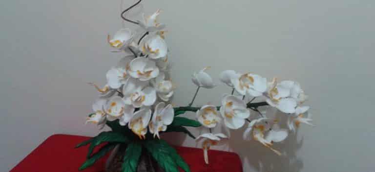 Read more about the article Como Fazer Flores de EVA Simples: 20 Modelos