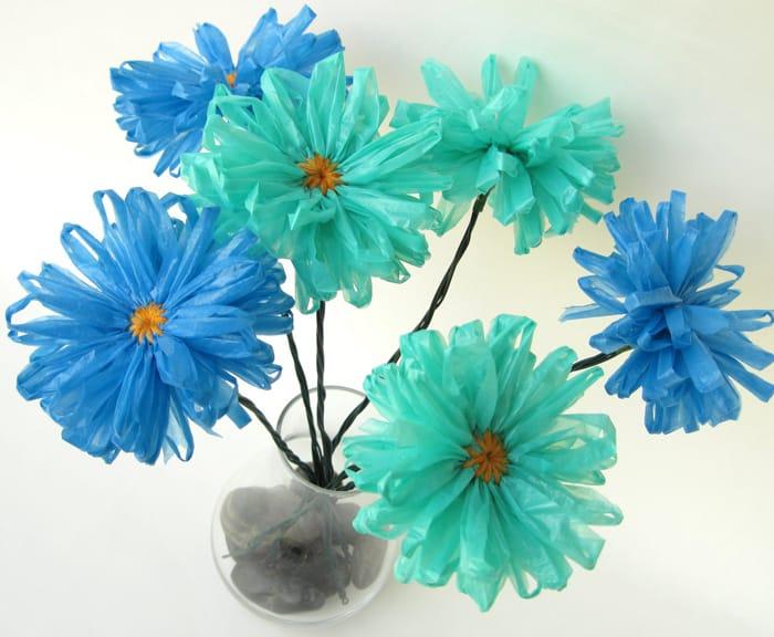 flores recicladas de sacola