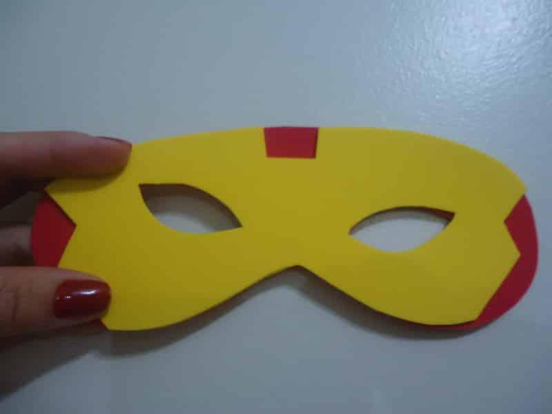 mascara de carnaval papelão