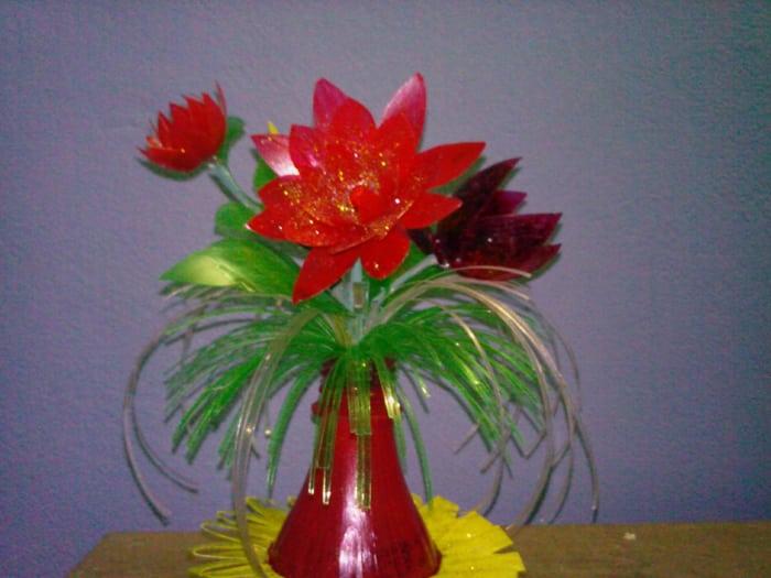 flores recicladas de plastico