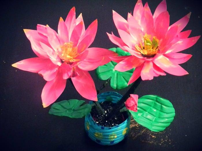 vaso de flores recicladas