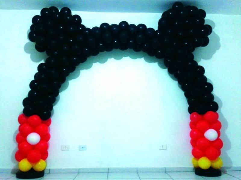 arco de baloes mickey