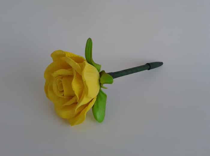 flor de eva amarela