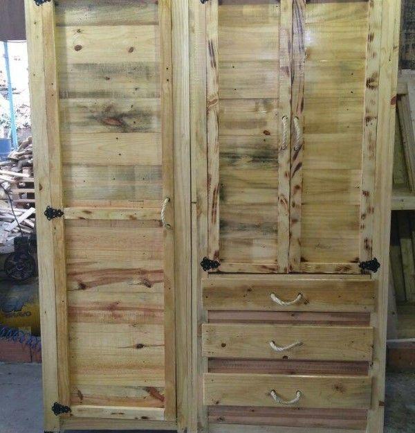 armario com portas e gaveta feito de pallet