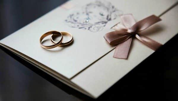Read more about the article Como Fazer Convite: Aniversário, Casamento, Fotos, Modelos