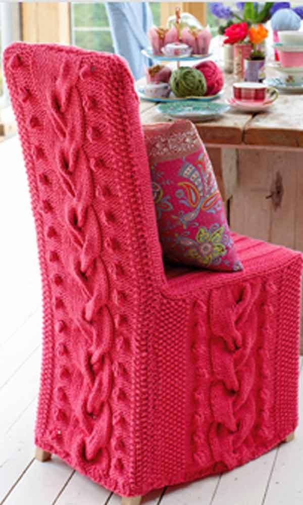 Capa para cadeira de madeira em crochê rosa