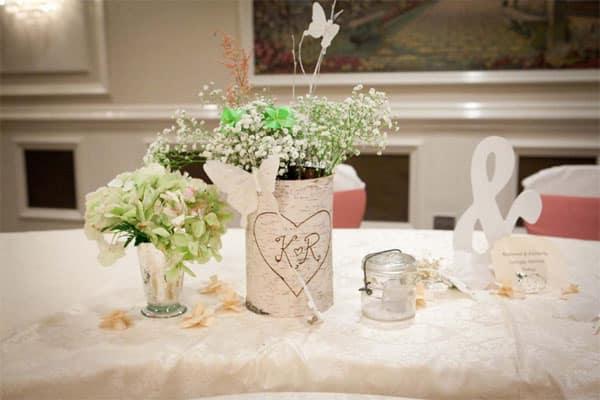 Cha casa nova mesa decorada com arranjo