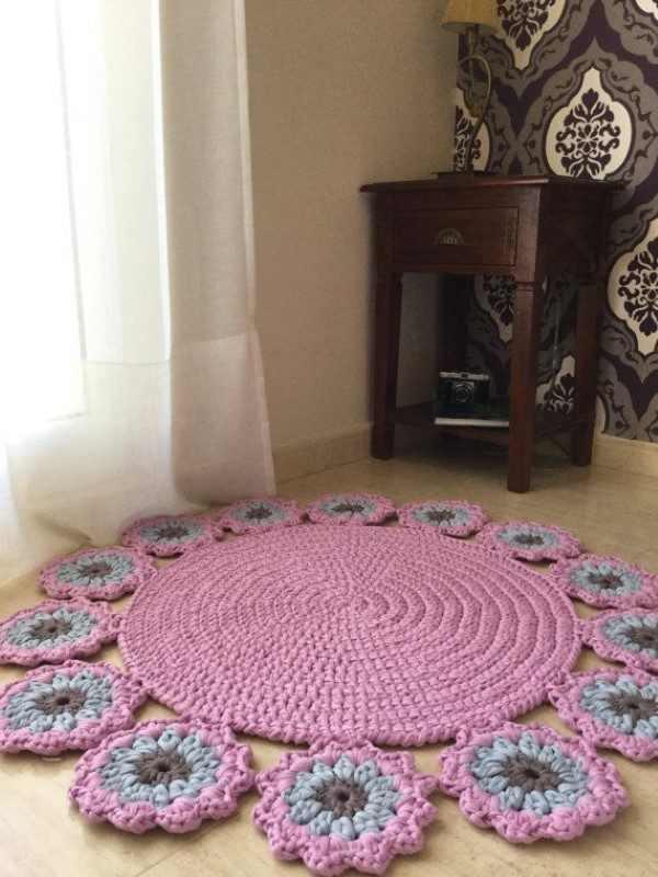 tapete redondo com flores de croche
