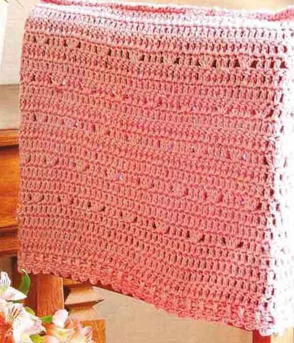 Capa de encosto de cadeira de crochê rosa