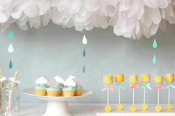 Painel Nuvem de papel crepom para chá de bebê