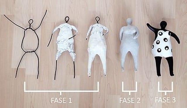 boneca feita de papel machê