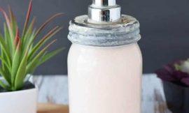Como fazer sabonete líquido caseiro: 5 receitas passo a passo
