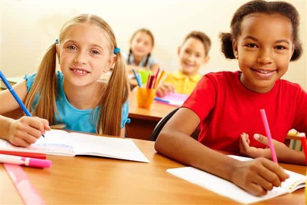 Read more about the article Desenhos para capa de caderno escolar para imprimir