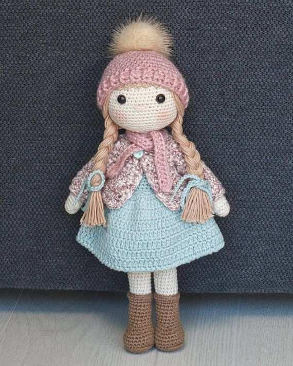boneca de croche com touca