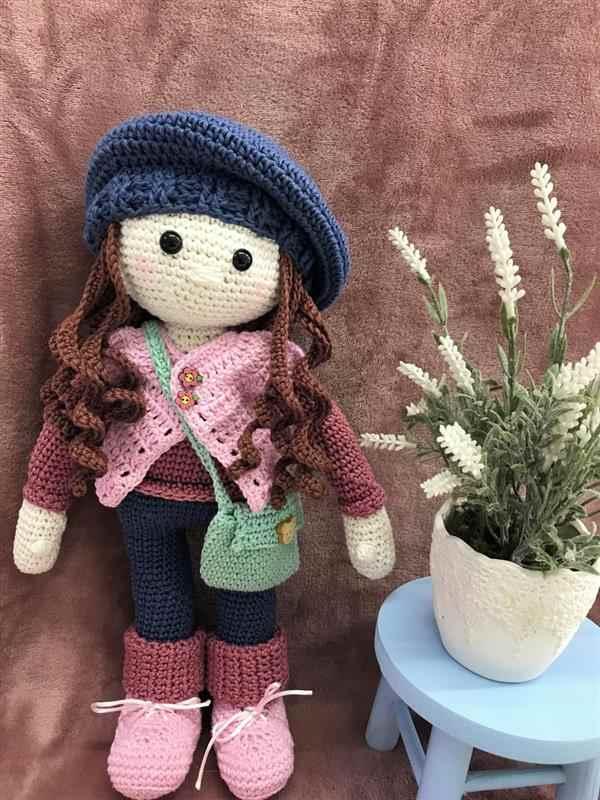 boneca de croche com cabelo grande