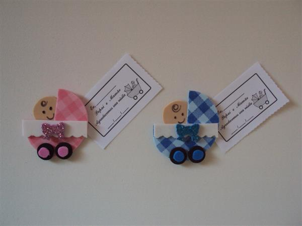carrinho de bebe de eva com tag