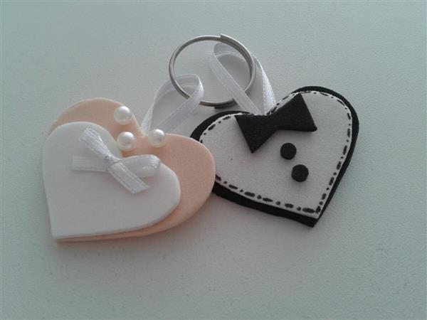 chaveiro de coração noivo e noiva