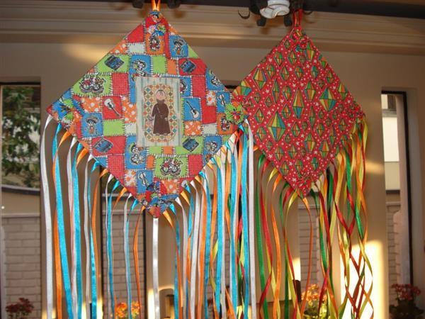 como fazer decoração de festa junina