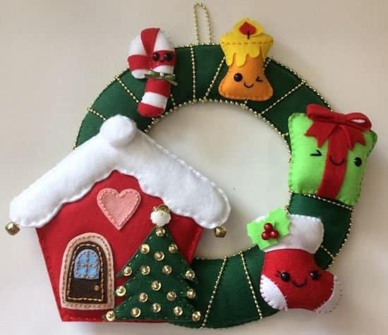 Guirlanda de Natal em feltro familia