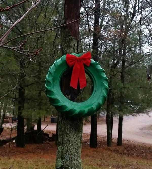 decoração de natal com pneu