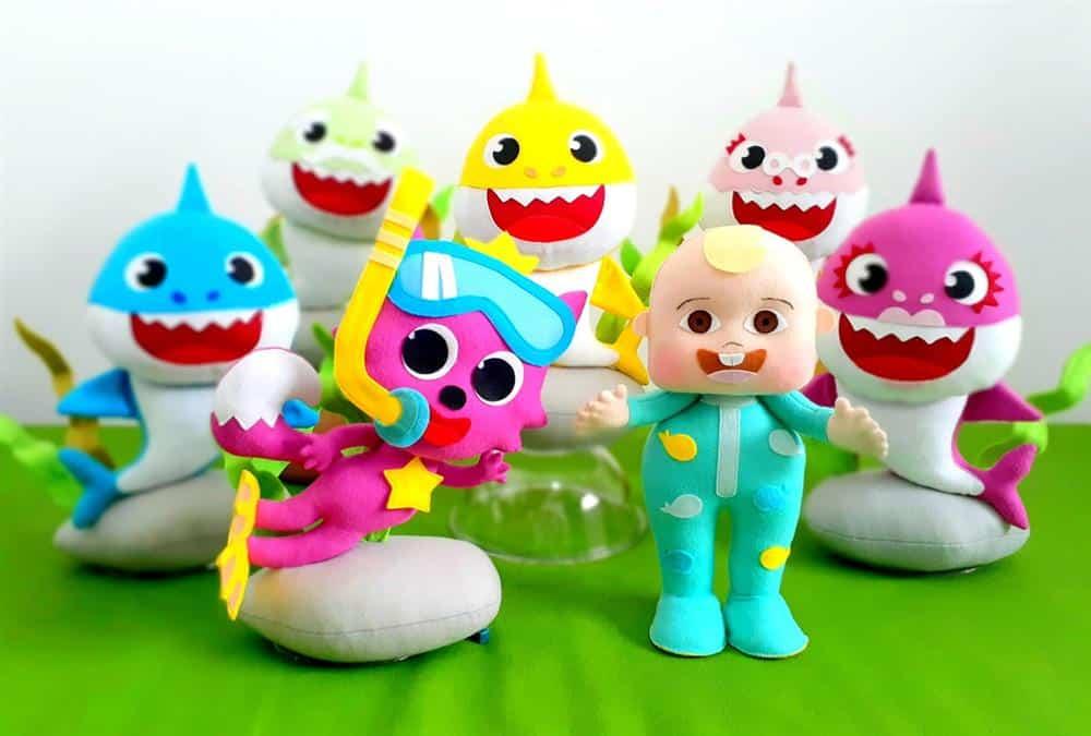 personagens baby shark em feltro
