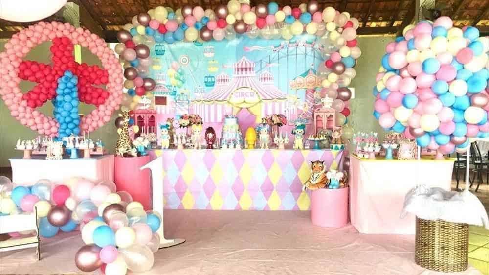 festa circo rosa com bolas