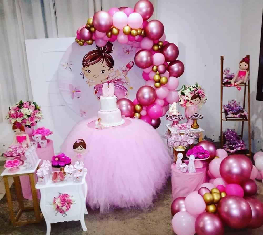 festa bailarina com balões rosa
