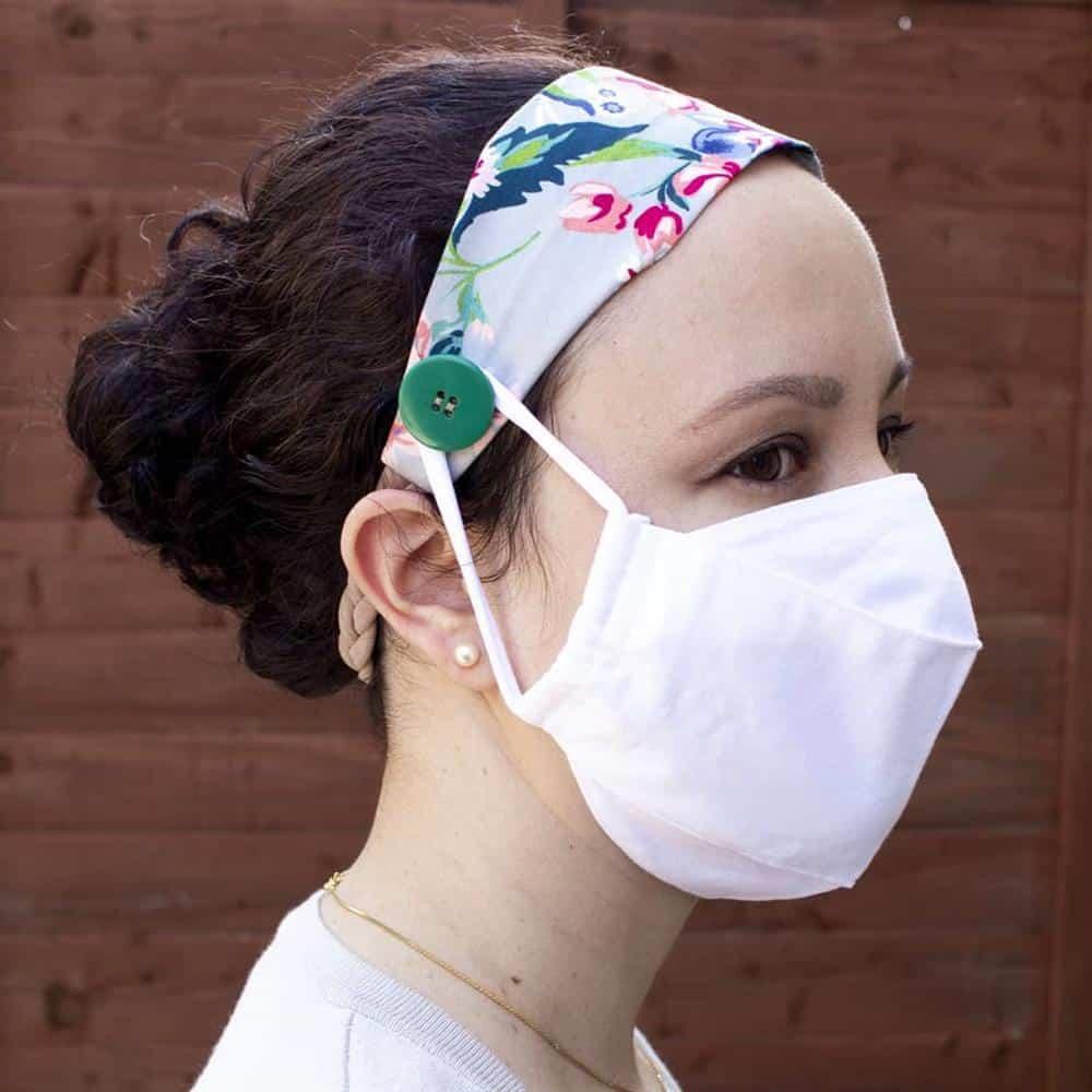 mascara de tecido com tiara de cabelo