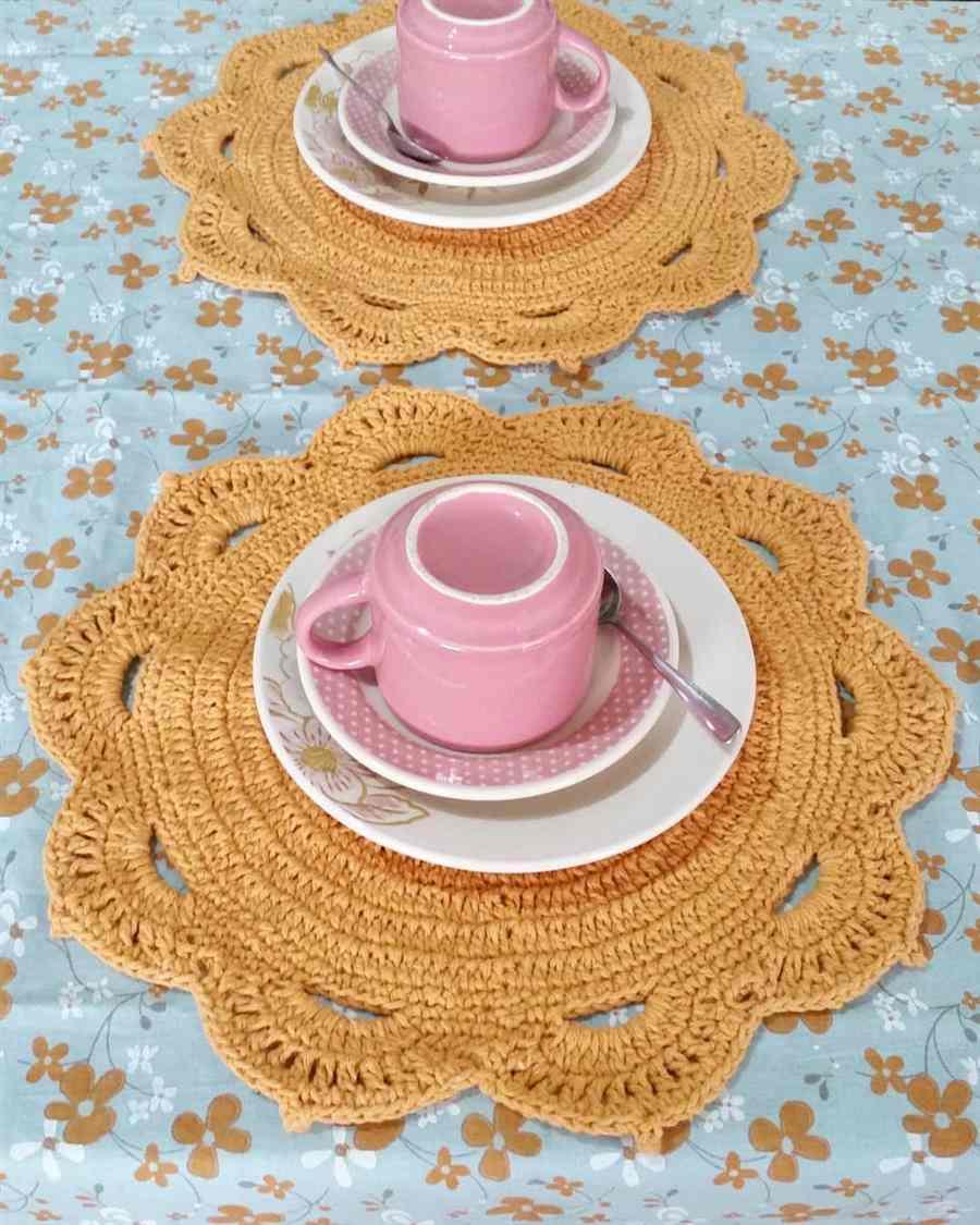 mesa posta para o cafe da tarde