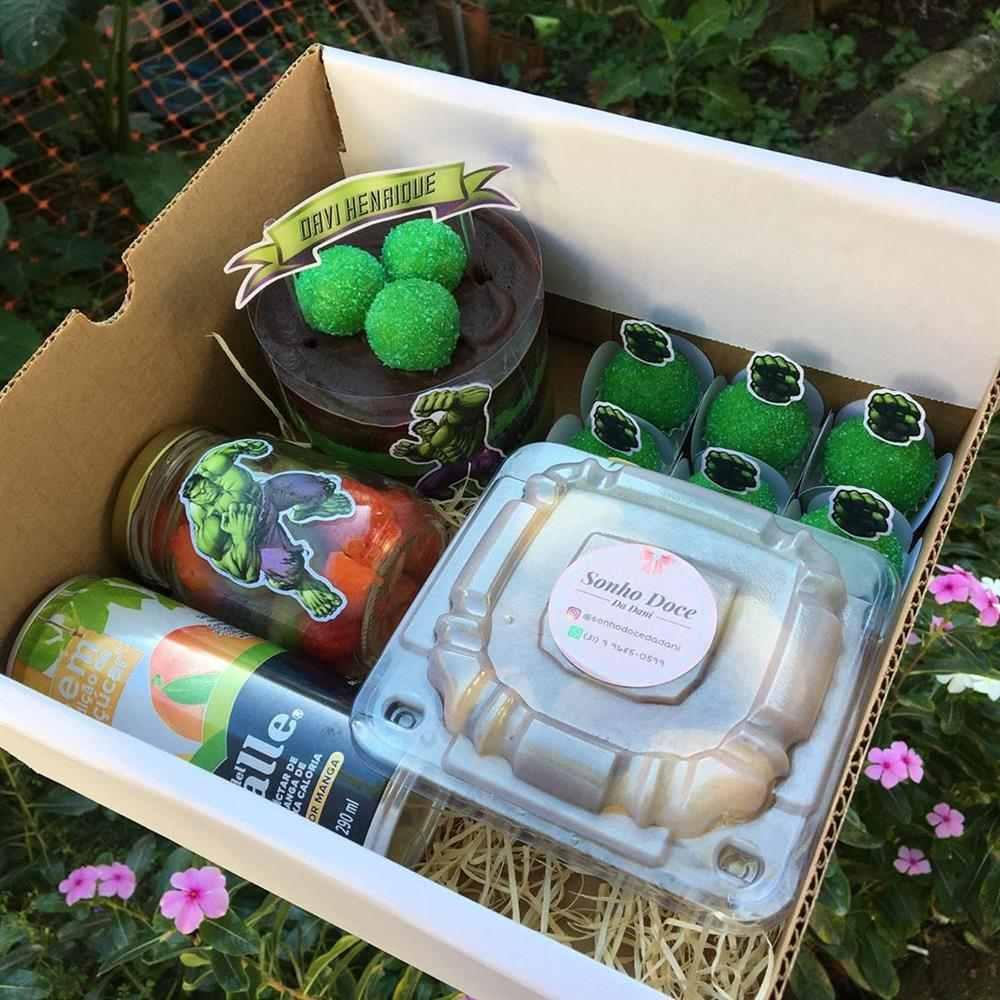 caixa hulk com suco